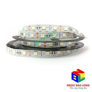 led-day-5054-khong-keo-trang-senyang-lam-quang-cao-mau-trang